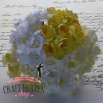 Mix rumeni in beli češnjevi cvetovi - 25mm