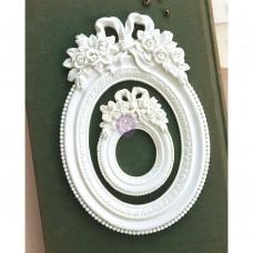 Memory Hardware Blanc Fleur Oval Resin Frame - Prima Marketing